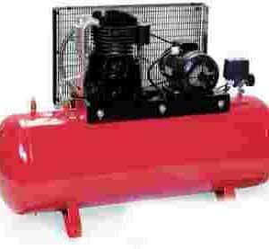 Compresor de aire profesional, 2 cilindros, trifásico, 5'5 CV y 300 litros de calderinCompresor de aire profesional, 2 cilindros, trifásico, 5'5 CV y 300 litros de calderinCompressore Aria 5'5Cv E 300L. 380v.Compresor de aire profesional, 2 cilindros, trifásico, 5'5 CV y 300 litros de calderin